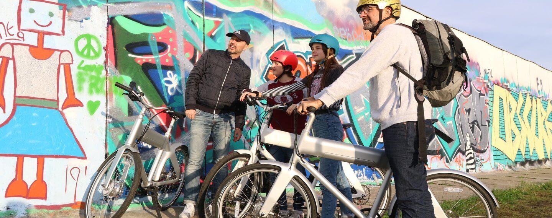 mit dem e-bike entlang der eastside gallery