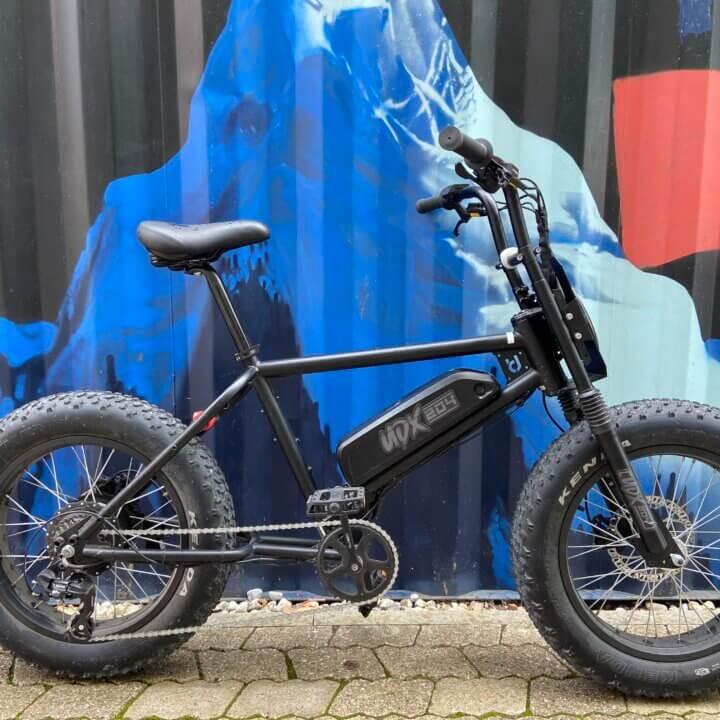 UDX e-bike in front of Container Werksviertel in Munich