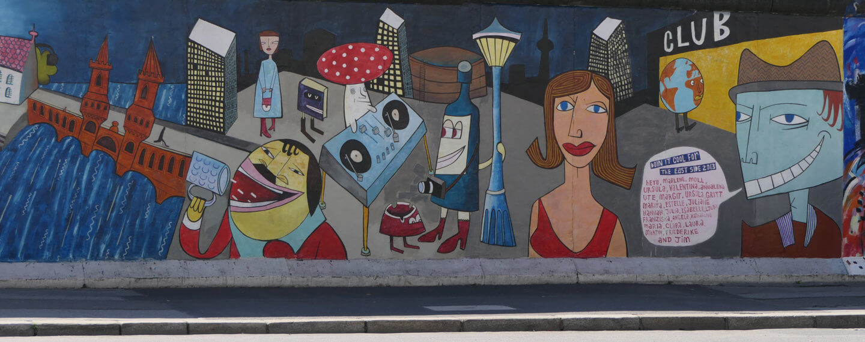 Bild des berühmten Berliner Nachtlebens an der Eastsidegallery
